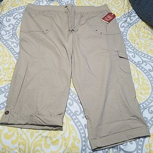Faded glory capri cargos 18W NWT